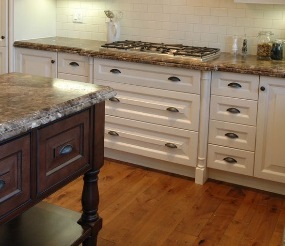 Painted Kitchen Cabinets Vs Stained: Edgewood Cabinetry
