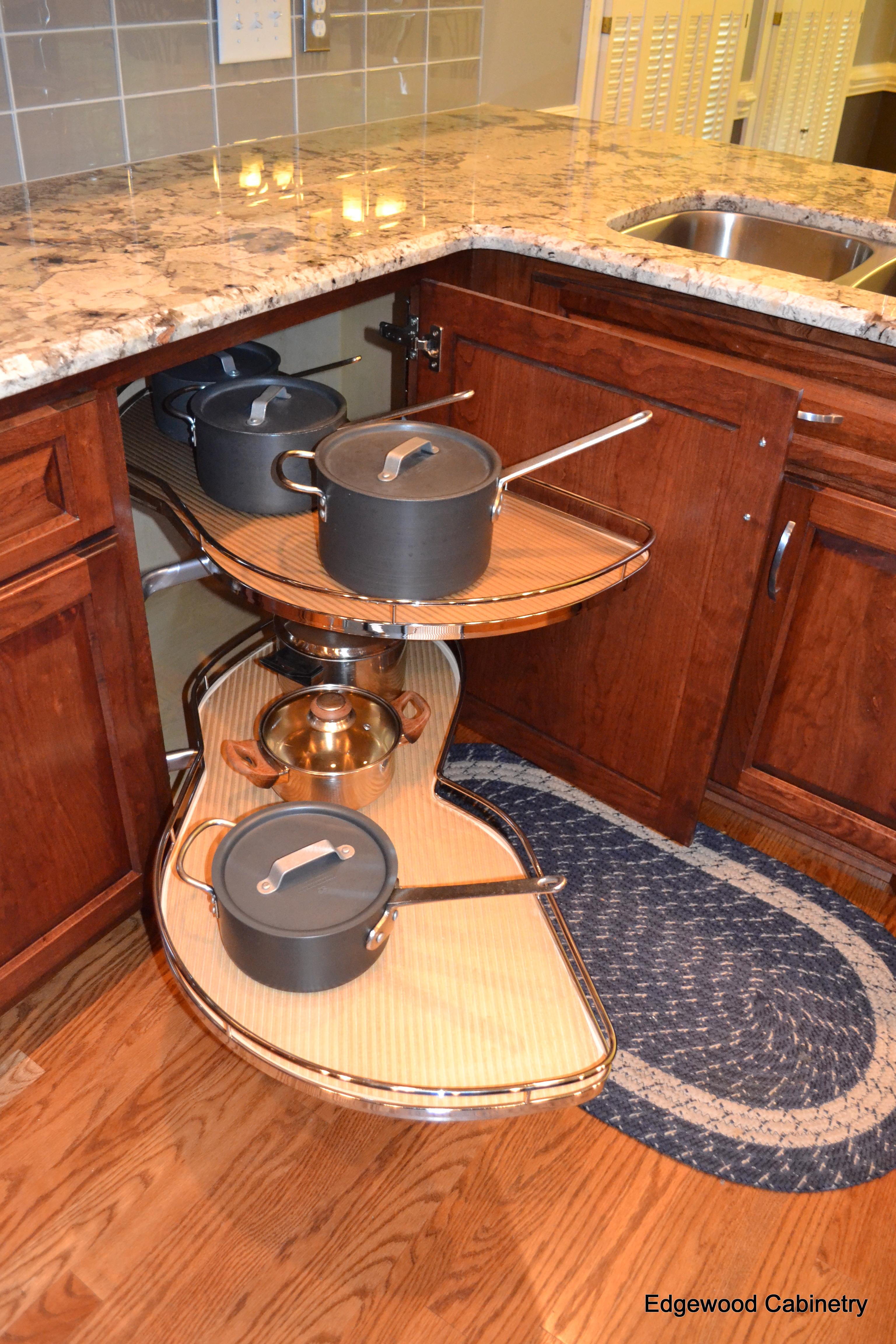 corner cabinet solutions edgewood cabinetry. Black Bedroom Furniture Sets. Home Design Ideas