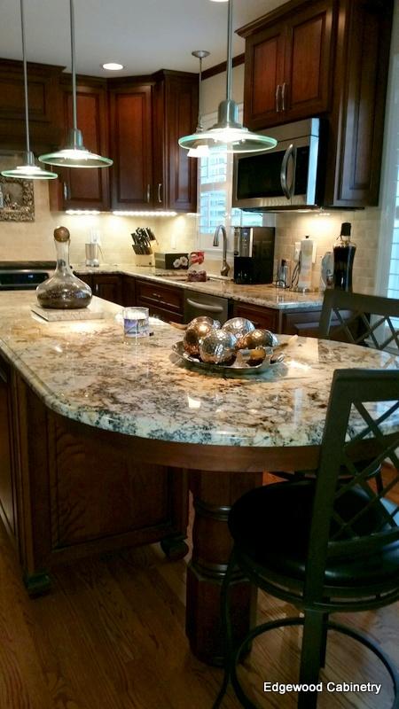 cherry kitchen-edgewood cabinetry