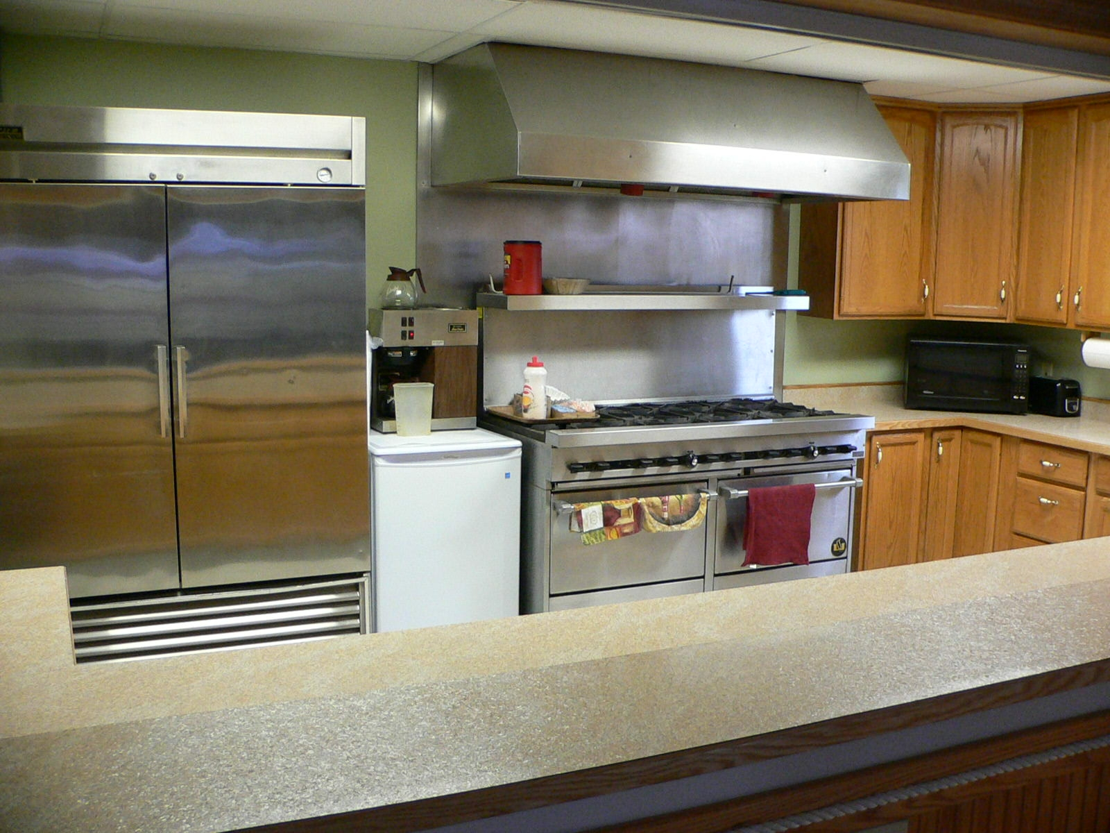 Commercial Appliances At Home Edgewood Cabinetry
