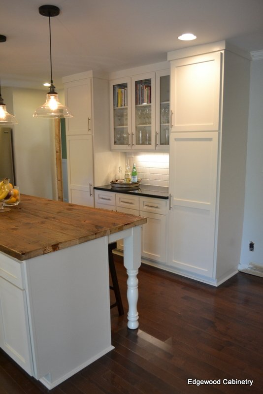 butlers pantry-edgewood cabinetry