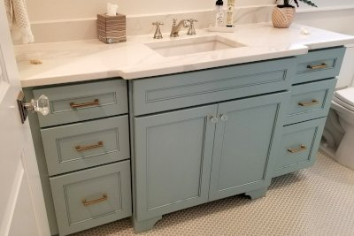 Custom bathroom cabinets & vanities