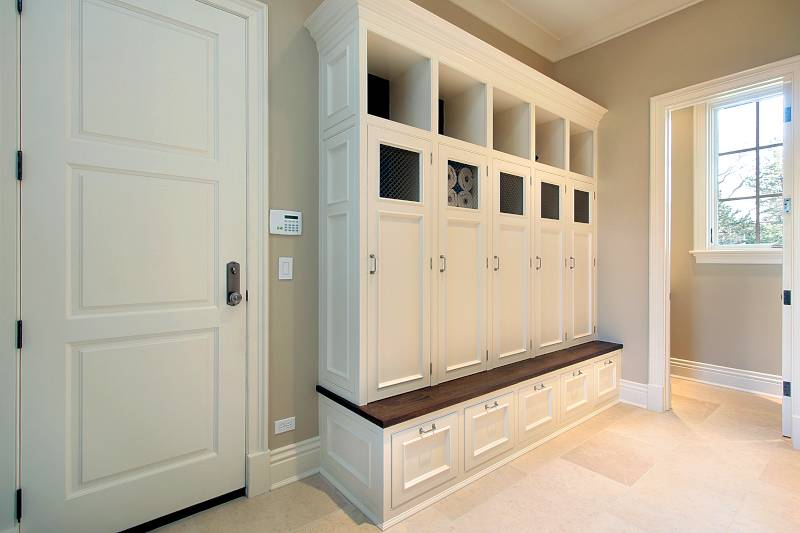 custom cabinets mudroom