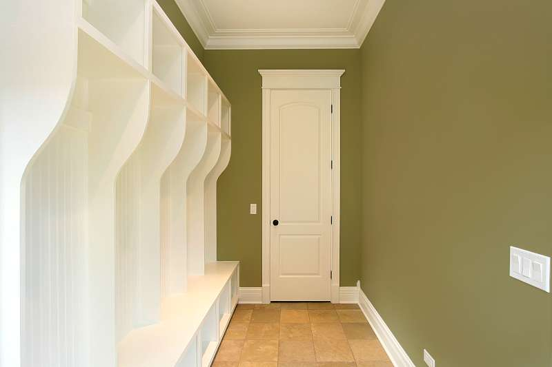 custom mudroom cabinets